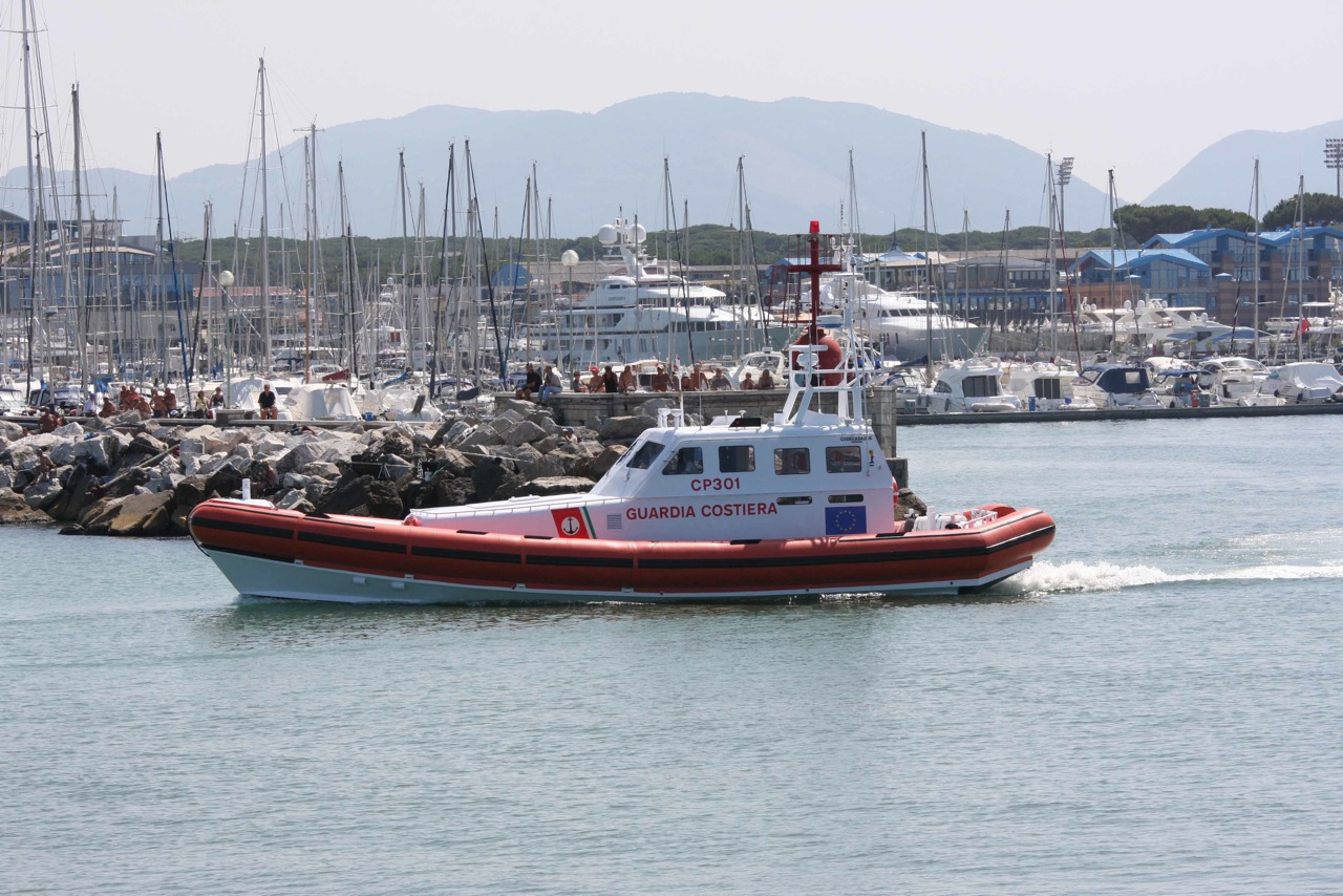 All weather rescue boat for italian Coaste Guard Class 300